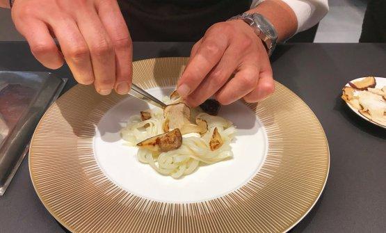 Le mani del resident chef di Identità Golose Mila