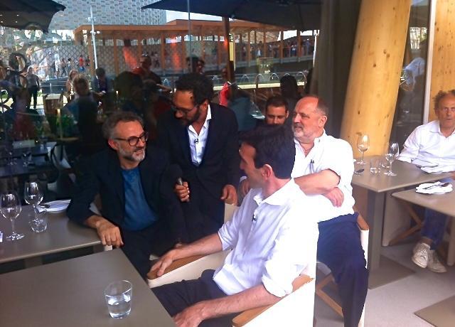 Massimo Bottura, Federico Quaranta, il ministro Martina, Christian Costardi, Paolo Marchi e Moreno Cedroni
