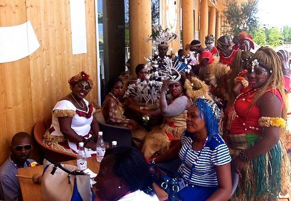 L'affollata e variopinta delegazione del Benin, ieri a Identit� Expo