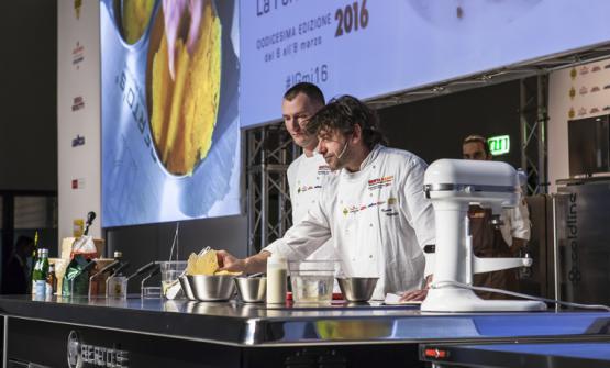 Cesare Battisti (nella foto di Identità 2016, con il pasticciere del Ratanà Luca De Santi). Nuova cucina milanese