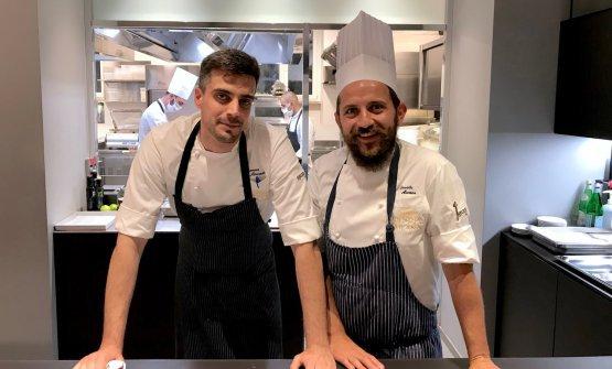 Donato Ascani, a destra, conSimone Maurelli, resident chef diIdentità Golose Milano
