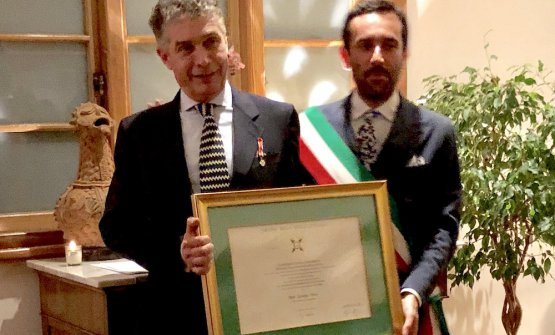 La cerimonia con la qualeGiorgio Nava è stato nominatoCavaliere dell'Ordine della Stella d'Italia