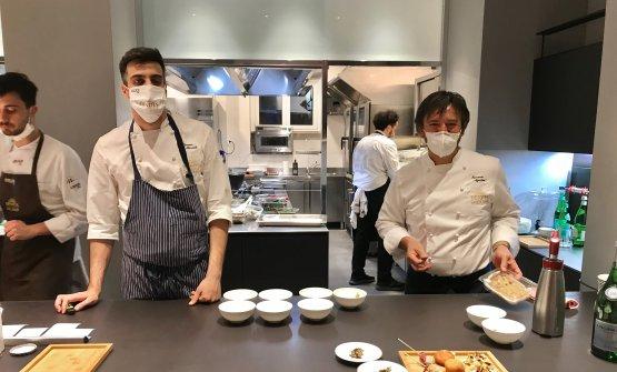 Agostini, a destra, con l'executive chef di Identità Golose Milano, Simone Maurelli