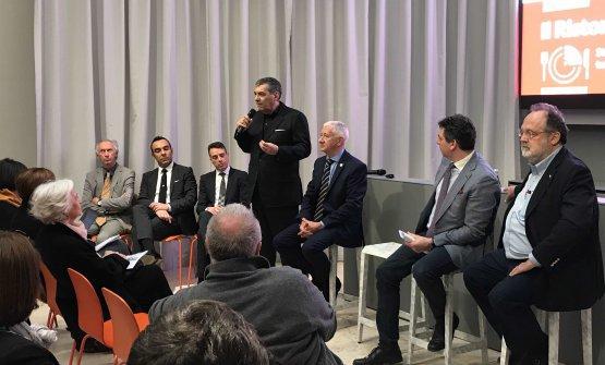 """Claudio Ceroni durante la conferenza stampa con cui è stato presentato il progetto """"Il Ristorante del Futuro"""". Qui potete vedere una breve video-intervista su questa iniziativa"""