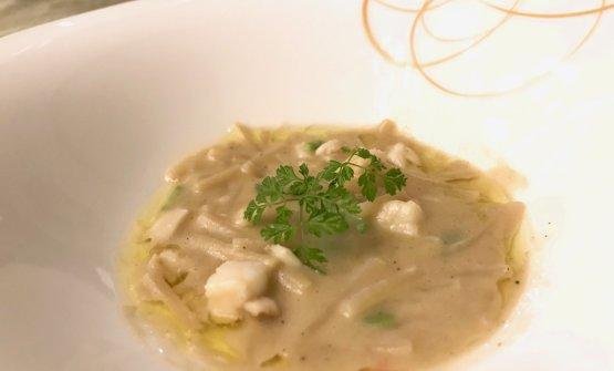 Pasta e fagioli di Lamon, fave, olio al rosmarino e aragosta