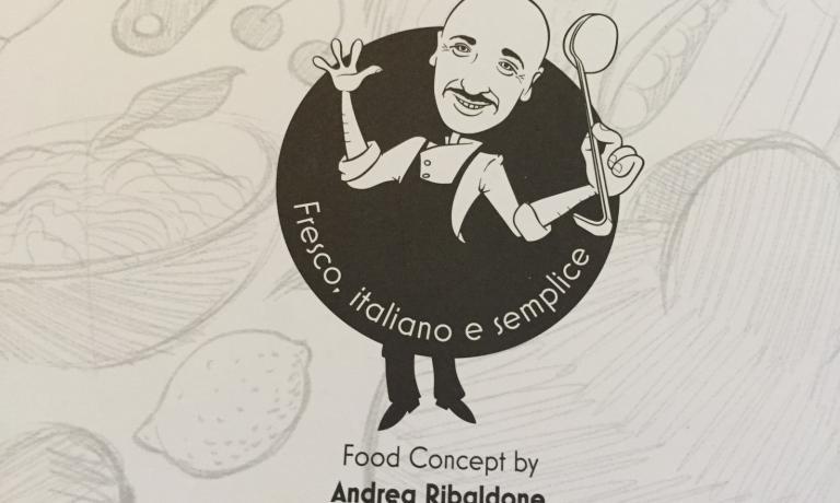 La ristorazione è affidata ad Andrea Ribaldone, qui rappresentato dai suoi uomini di fiduciaNicola Angelini (in cucina) e Matteo Bertolino (in sala)