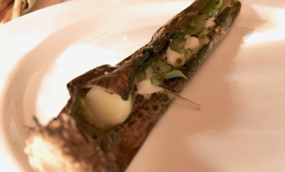Davvero ottimo il doppio porro (l'esterno scottato, l'interno cotto) con salsa alle erbe e all'aglio e olio
