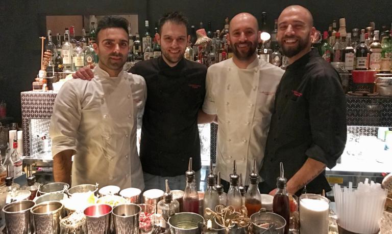 La squadra di Carlo e Camilla in Segheria: da sinistra Luca Pedata (chef), Filippo Sisti (barman), Carlo Gallarato (sous chef), Federico Volpe (secondo barman)