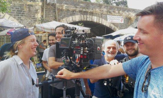 Corrado Assenzacon la troupe americana di Chef's Table, che gli ha fatto visita nel giugno scorso. Ne è uscito un mediometraggio di 45 minuti, visibile da oggi su Netflix