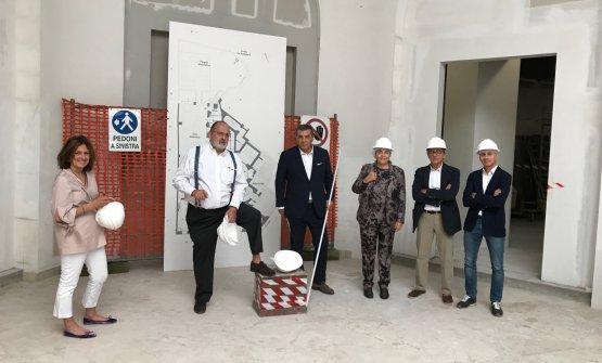Paolo Marchi e Claudio Ceroni presentano Identità Milano. Con loro, Luisa Acciarri, Paola Valeria Jovinelli, Egidio Tordera e Claudio Scavizzi
