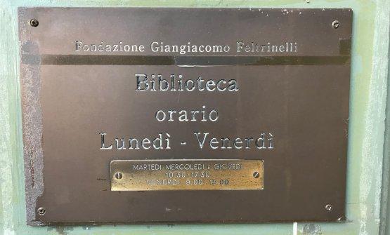La vecchiatarga della Fondazione Feltrinelli. Presto sarà sostituita da quella di Identità Milano, primo hub internazionale della gastronomia