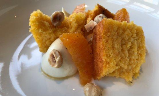 Torta di carote, cremoso al cioccolato bianco, arance al pepe e nocciole tostate
