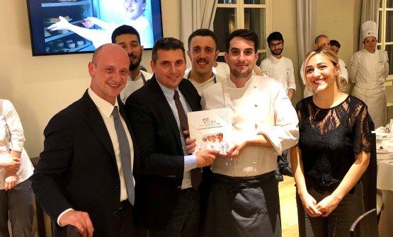 Antonio Ziantoni, la sua compagna Ida Proiettie il team di Zia, celebrato dal direttore di Alma Andrea Sinigaglia