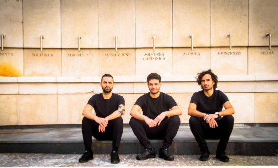 I fratelli Izzo, tutti impiegati nel ristorante di famiglia Piazzetta Milù