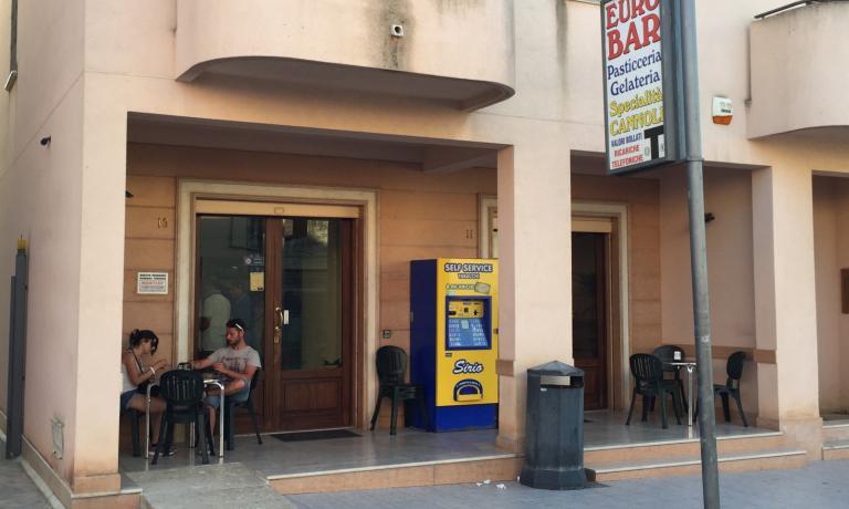 L'ingresso dell'Euro Bar Dattilo