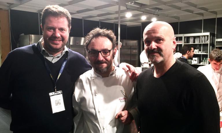 Lopriore e Salvetti con Marco Bolasco, che ha introdotto la lezione a Madrid dello chef lariano