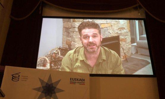 Un'immagine del video con cui l'australianoJock Zonfrillo ha ringraziato il Basque Culinary Center e il Comitato Consultivo del Basque Culinary World Prize per averlo scelto come vincitore della terza edizione