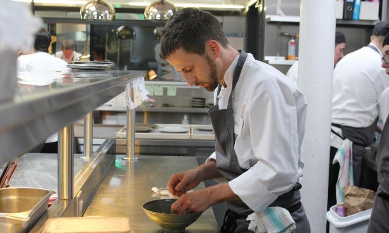 Dopo diverse esperienze in ristoranti prestigiosi, dal 2012 Danilo Cortellini è lo chef dell'Ambasciatore italiano a Londra, Pasquale Terracciano. Ora è arrivato in finale nella versione inglese di MasterChef dedicata ai cuochi professionisti