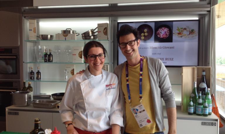 La cuoca con Mario Sansone, socio di Marzapane
