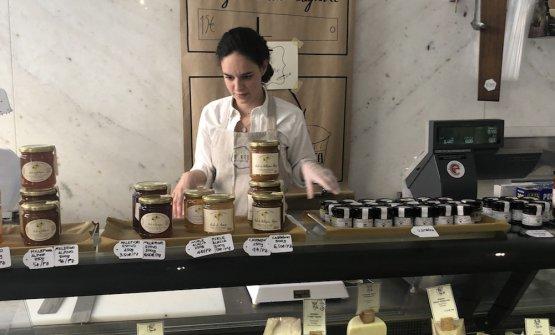 Tra i tanti formaggi, spicca laRobiola di Roccaverano, caprino storico d'Italia