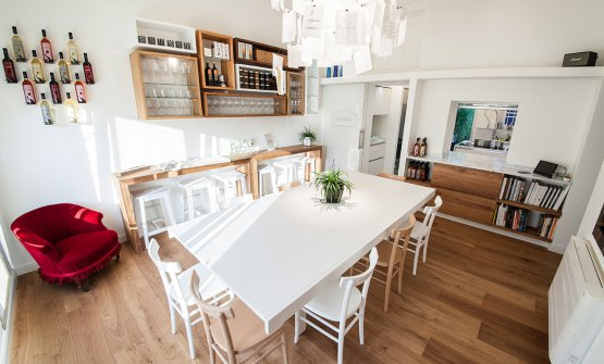 La sala dell'Otto, col tavolo con otto posti(foto Carlo Fico)