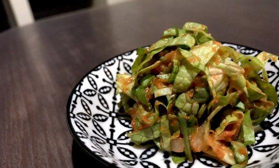 Nuovo stop, in vista della terza e ultima parte salata del menu:Insalata di lattuga e pasta di pomodoro fermentato
