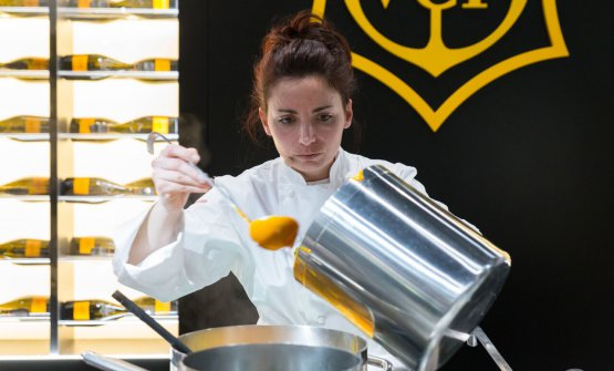 Marianna Vitale, chef del ristorante Sud di Quarto (Napoli), a lezione a Identità di Champagne, kermesse concertata da Veuve Clicquot(foto Brambilla/Serrani)
