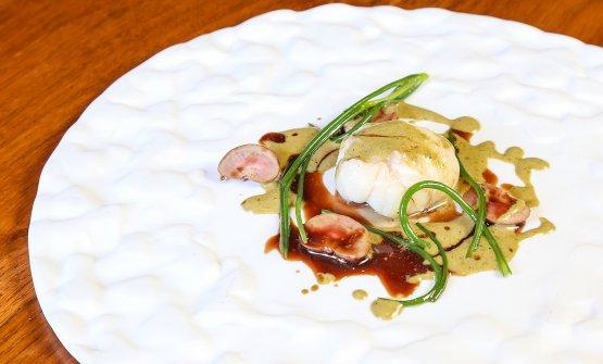 Guancia di rana pescatrice, rognoncini di coniglio, salvia e salsa bordolese