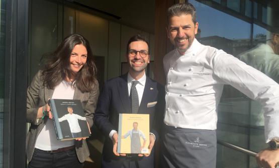 Andrea Berton con ilmaître del ristorante Lorenzo Sica e Alessia Rizzetto, responsabile delle relazioni esterne