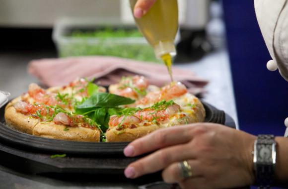 Mino Dal Dosso ha creato nel Bresciano un piccolo impero che fa della pizza contemporanea un proprio fiore all'occhiello. Lo raccontaalla newsletterIdentità di Pizza(per leggerla regolarmente,iscriversi gratuitamente qui)