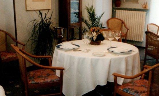 La sala del vecchio Tantris aLumellogno, una frazione di Novara...