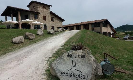 L'Agriturismo Mastrosasso sorge all'interno dell'Azienda Agricola Torricella, di Savigno (Bologna), che fornisce molti degli ingredienti per i piatti della chef Irina Steccanella
