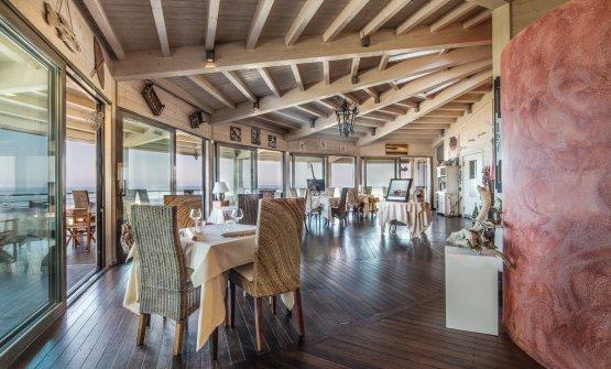 La sala del ristorante La Perla del Mare