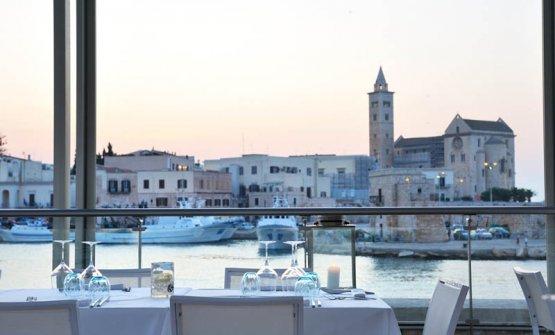 La vista che si gode dai tavoli de Le Lampare al Fortino a Trani