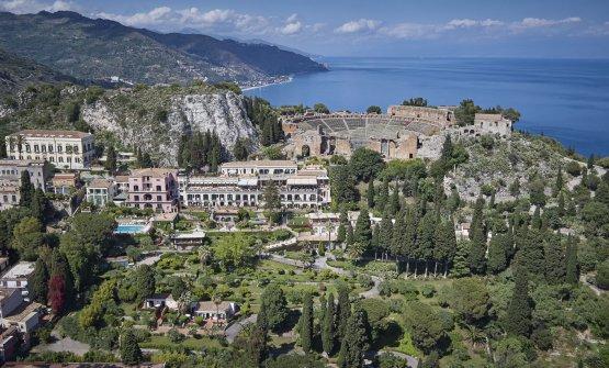 Il Timeo a un passo dal teatro greco di Taormina