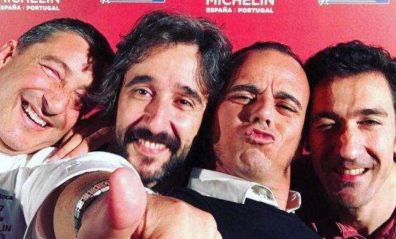 Joan Roca, Diego Guerrero,Jãvi Antoja (direttore diMontagud Editores, casa editrice specializzata in libri di gastronomia)edEnekoAtxa alla premiazione per la Guida Michelin 2017
