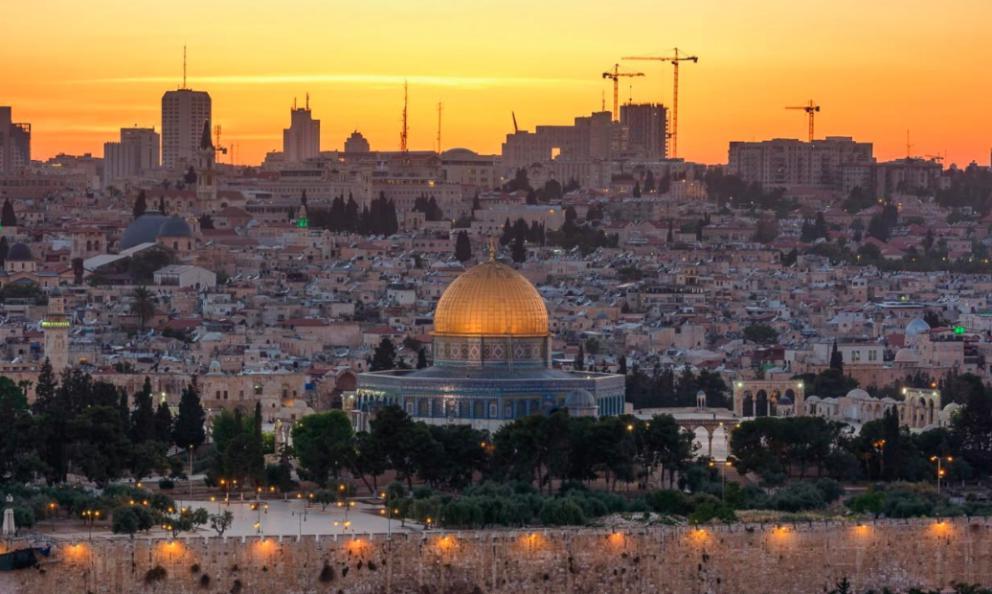 Gerusalemme, 890mila abitanti, divisi al74 in ebrei israeliani e 25 arabi musulmani.La Città Vecchia èorganizzata in 4 quartieri: cristiano, armeno, ebraico e musulmano (foto Getty images)