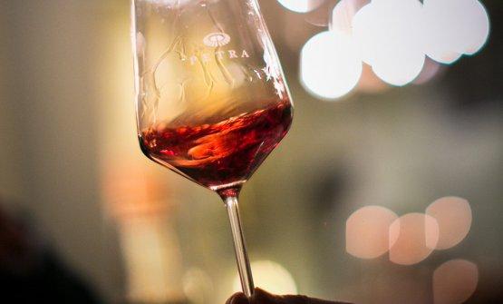 Convincono le scelte stilistiche dell'enologo Giuseppe Caviola, piemontese, chiamato quattro anni fa a definire la nuova cifra dei vini della cantina Petra