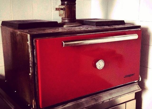 "The special ""Josper"" oven at Meat Bar de Milan"