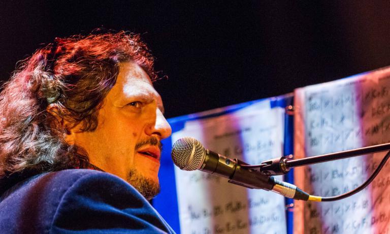Rayner è anche musicista jazz (foto Shawn Pearce)