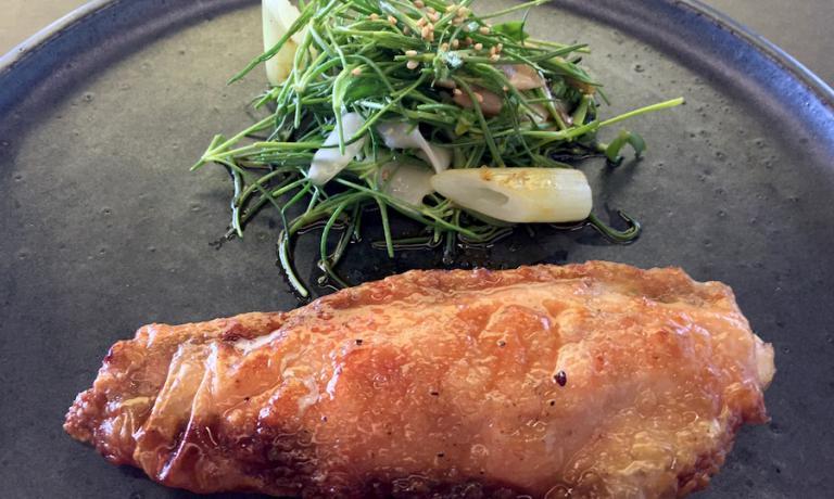 Jung Sik, nel ristorante a cui ha dato il suo nome e cognome scritti attaccati, Jungsik, chiama il suo pollo semplicemente Chicken