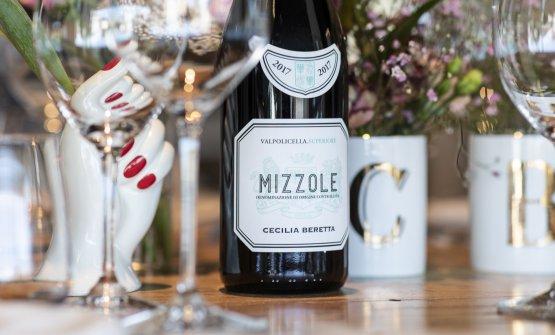 Il Mizzole è un Valpolicella Superiore Doc che vuole proprio interpretare lo stile che avranno i prodotti col marchio Cecilia Beretta