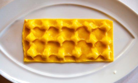 Raviolo di ravioli in sei stagionature di parmigiano reggiano(2016)