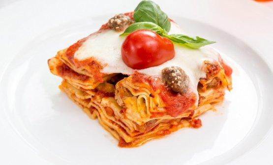 La lasagna napoletana, piatto tipico del Carnevale