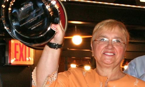 Lidia Bastianich e il premio Lavazza ottenuto a Identità New York 2013. La cuoca friulana aprirà giovedì la quinta edizione