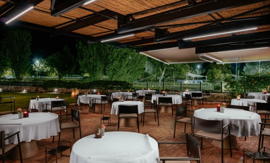 Lo spazio esterno del ristorante Le Trabe