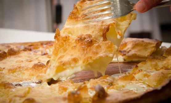 MITICA - L'inimitabile Focaccia al formaggio di Recco