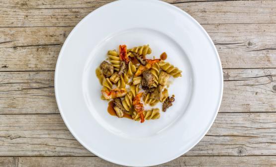 """Eliche, """"finanziera� e gamberi rossi è la ricetta 2017 di Federico Gallo, chef della Locanda del Pilone di Alba (Cn)"""