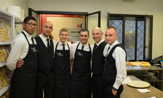 Lo staff misto del ristoranteInGalera, contenuto