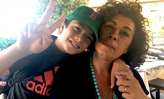 La Festa a Vico è festa anche per il piccoloLorenzo, qui con mamma Fortuna.La svolta solidale della kermesse voluta da Gennaro Espositoè cominciatada loro